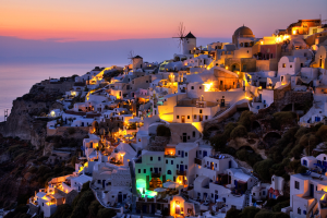 PhotoVivo Merit Award - Man Yu, Alex Fung (Hong Kong)<br />Night At Santorini