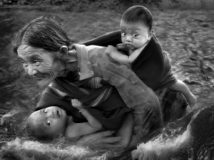 PhotoVivo Merit Award - Quoc Kim Vuong (Vietnam)<br />Pressing forward