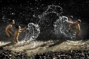 PIPA Merit Award - Genshi Yu (China) <br /> Play With Water