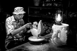 PhotoVivo Honor Mention - Siew Thong Chu (Malaysia) <br /> Pottery Worker