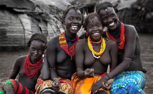 PhotoVivo Gold Medal - Hongyu Lv (China)  Beautiful Smile