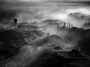 PhotoVivo Honor Mention e-certificate - Sandi Lesmana (Indonesia) <br /> Morning At Mount Bromo