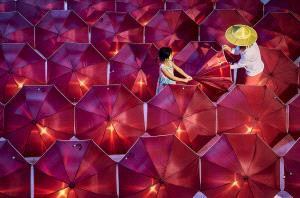 PhotoVivo Gold Medal - Thi Ha Maung (Myanmar)  Testing Umbrella With Light